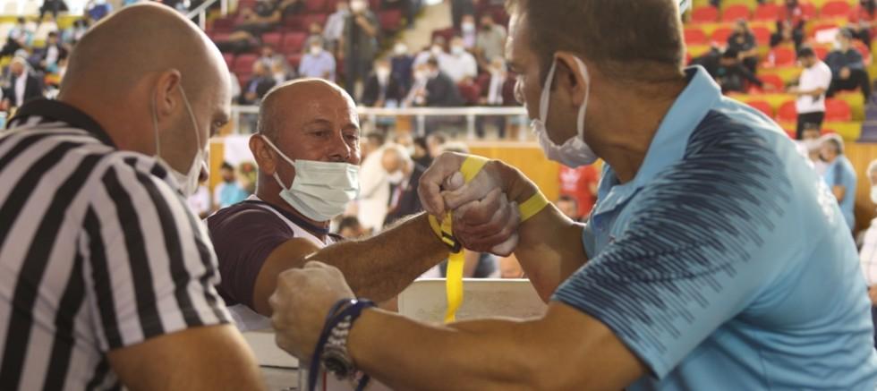 Türkiye Bilek Güreşi Şampiyonası Tokat'ta Başladı